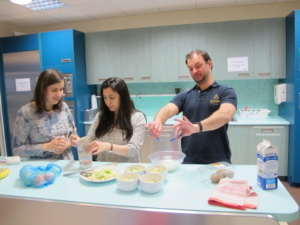Cooking and practising accusative